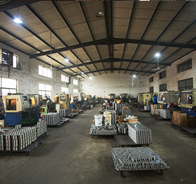 05   CNC machines Grinding workshop